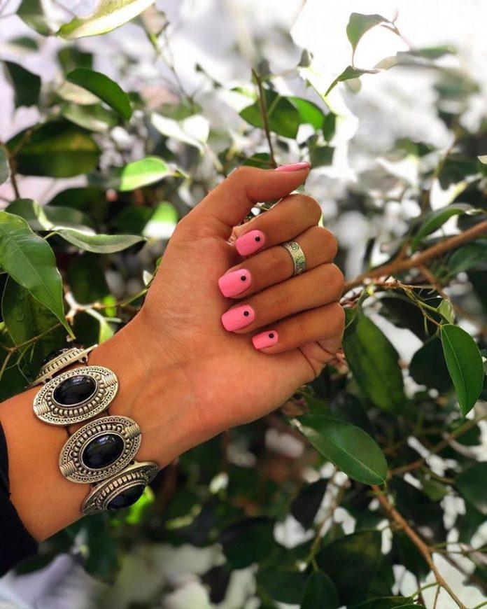Meninas Nails, un emprendimiento que combina servicio de belleza de uñas y formación en oficio